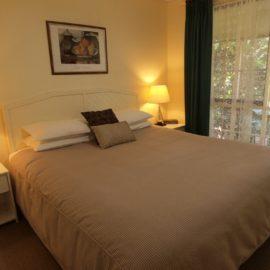 King-size bedroom